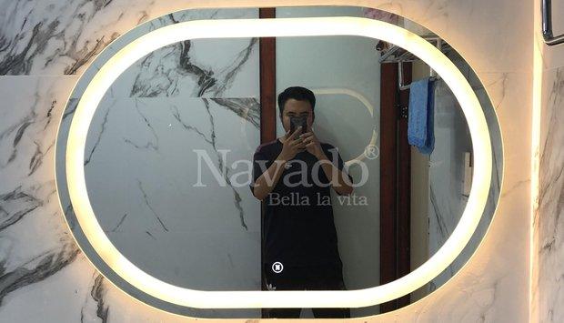Gương phòng tắm phong cách hiện đại cho không gian thêm sinh động