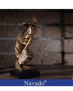 Tượng nghệ thuật trưng bày Lãng Tử