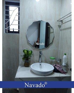 Gương nhà tắm bỉ treo tường NAV 543C