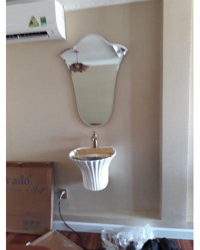 Gương bỉ phòng tắm nghệ thuật Hoa tuylip