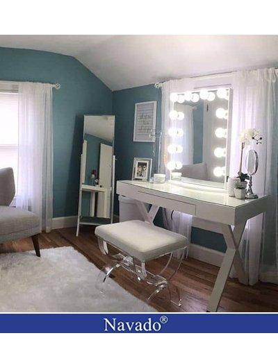 Gương đèn trang điểm cho nội thất phòng ngủ