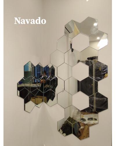 Gương gắn tường nghệ thuật phòng khách tại Vũng Tàu