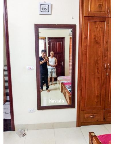 Gương soi toàn thân khung gỗ phòng khách